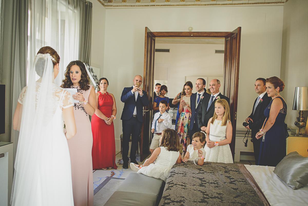 fotografo-boda-granada_fotoperiodismo-de-boda_fotografia-emocional-37